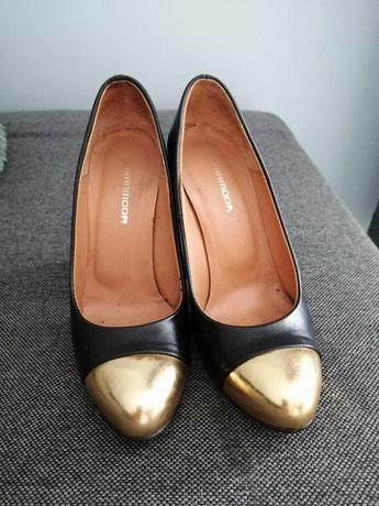 Buty czułenka róż. 37