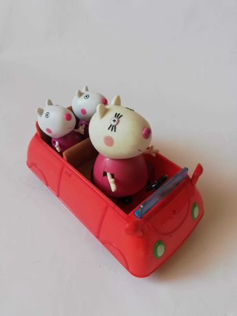 Swinka peppa auto z figurkami mamy kotka i malych kotkow
