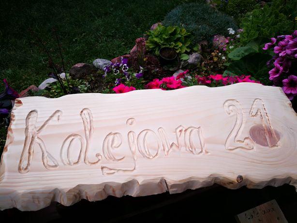 Tabliczka adresowa z drewna
