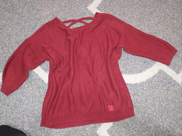 Sweter sweterek dekolt na plecach sznurowania