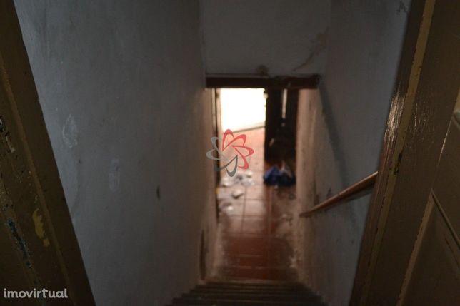 Prédios, T5, Para Reconstrução, para Vender, Baixa