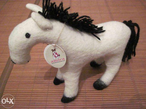 Игрушка шерстяная Amica Accessories лошадка белая новая