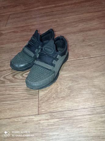 Кросівки (макасини, кроссовки)