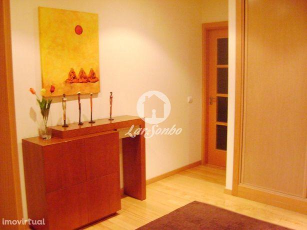 Fantástico Apartamento T3 Em Águas Santas - Como Novo!