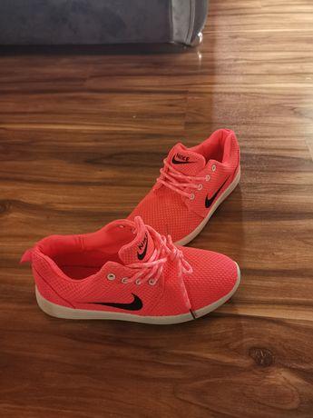 Buty nicke sportowe różowe neonowe rozmiar 41