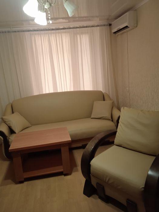 Сдам  двухкомнатную квартиру почасово посуточно евроремонт центр-1