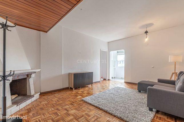 Apartamento Transformado em T2