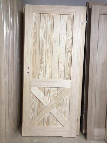 Drzwi sosnowe