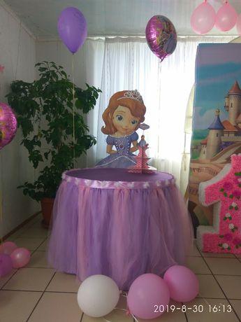 Стол Принцесса София(фатиновая юбка+скатерть) для кенди бара. фотозоны