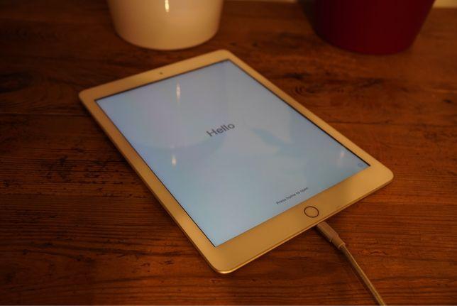Tablet Ipad 2017 32gb gold