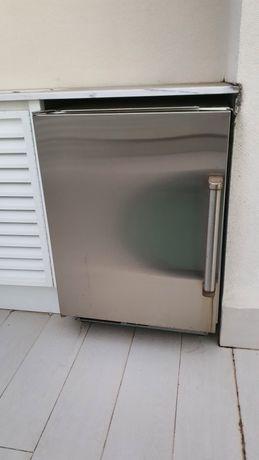 Sub-Zero '24  Refrigerador sob-bancada
