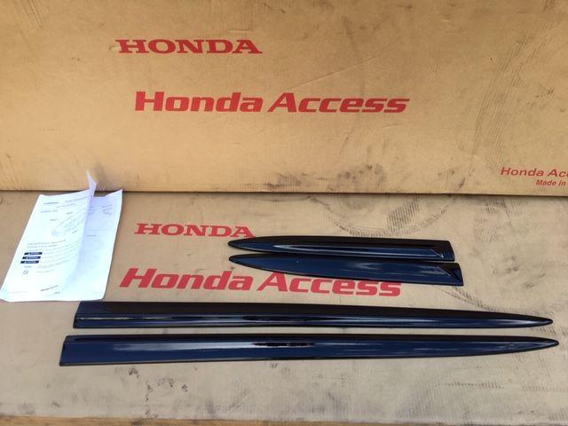 Honda Civic IX Kombi 2012-Listwy Drzwi KOMPLET oryginał Wieliczka - image 1