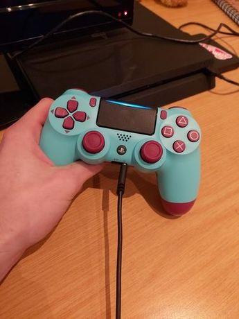 Sony Ps4 com 1 comando  e jogos