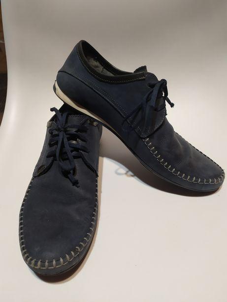 Męskie pantofle mokasyny