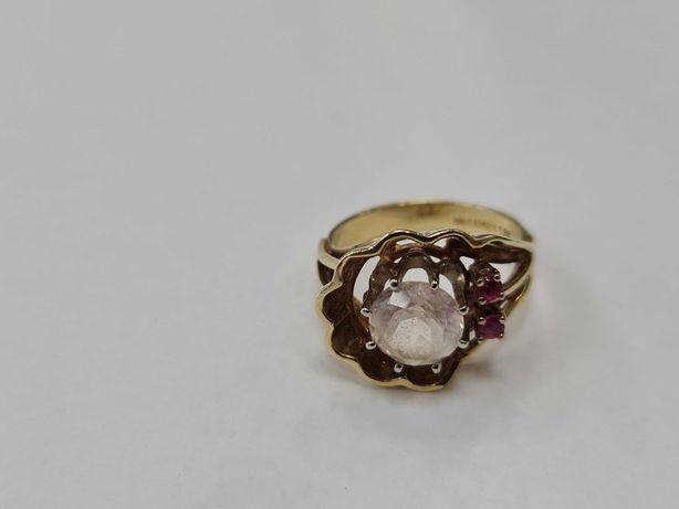 Wyjątkowy złoty pierścionek damski/ 585/ 6.44 gram/ R15/ Cyrkonie