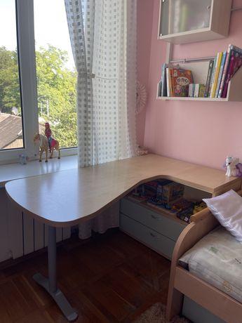 Письменный, офисный стол