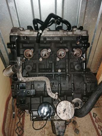 Suzuki GSR 600 silnik
