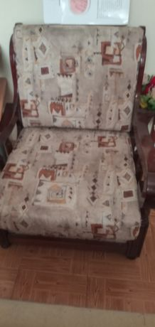 vendo 3 sofás que já não uso o grande é sofá cama estão em bom estado