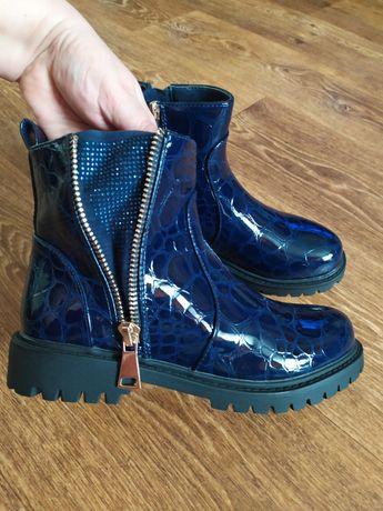 Ботинки новые ,стелька 24 см