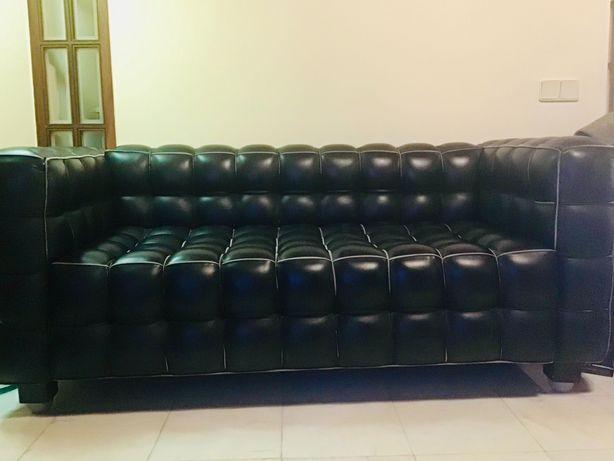 Vendo 2 sofás e 2 poltronas em pele produzidas na Itália