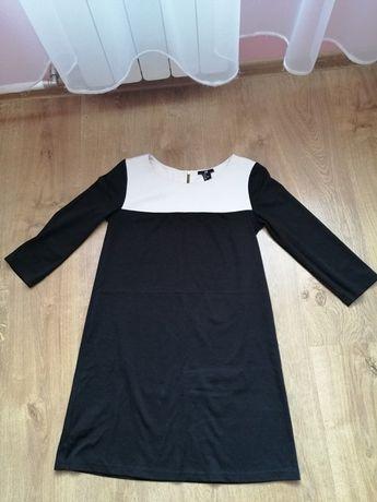 Czarno-biała, minimalistyczna sukienka H&M, rękaw 3/4, r. S