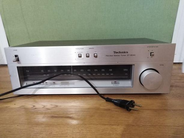 ST-8044 Technics FM / AM Stereo Tuner Radio vintage
