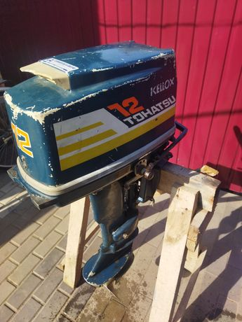 Продам лодочный мотор тохацу 12