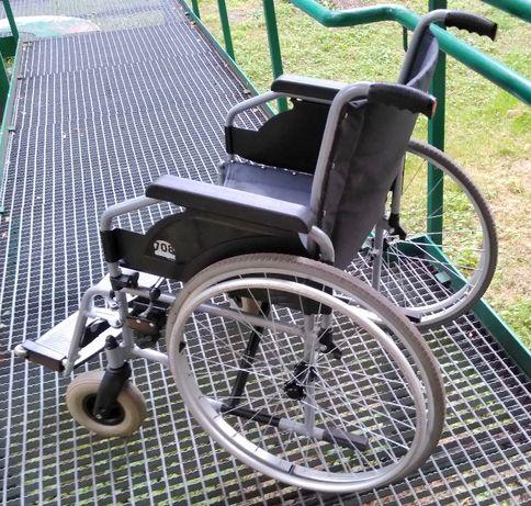 Zadbany i solidny wózek inwalidzki Vermeiren