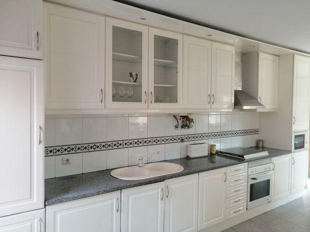 Cozinha  branca lacada
