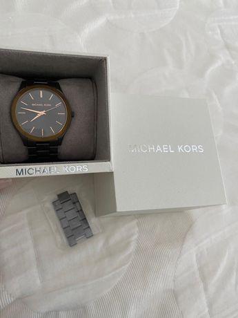 Relógio MK novo