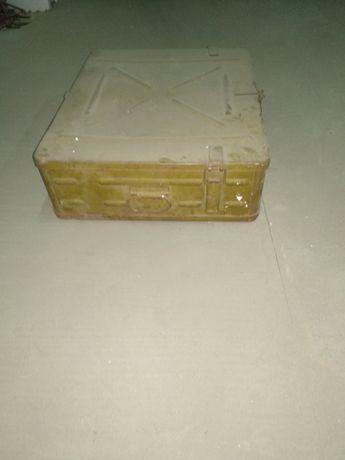 Металлический ящик-400 грн.