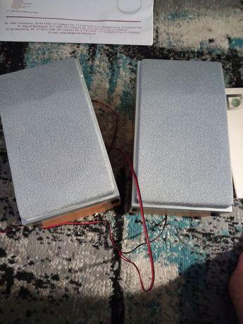 Duas colunas de som