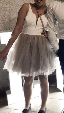 Sukienka tiulowa rozkloszowana S M