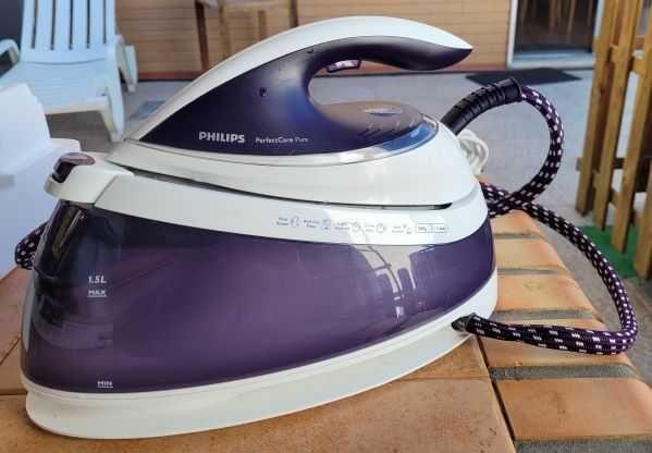 Ferro Philips com Caldeira Modelo - GC 7635