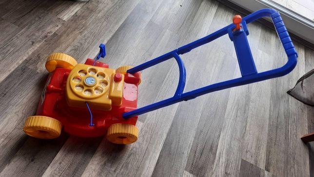 Іграшкова газонокосарка