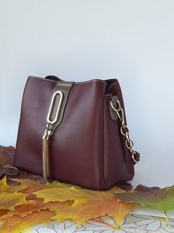 Стильная, маленькая женская сумка через плече. Очень крутая модель!