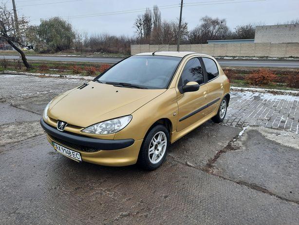 Продам автомобиль Пежо 206