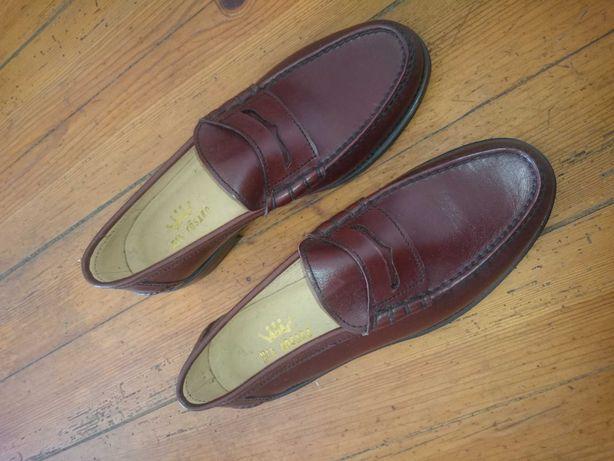 Sapatos homem 43 novos