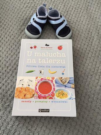 """Ksiazka """"u malucha na takerzu"""" zdrowa dieta dla niemowlat."""