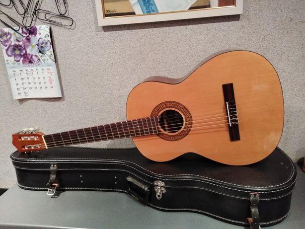 Fińska Landola C-55 gitara klasyczna i CASE Świetny instrument !!