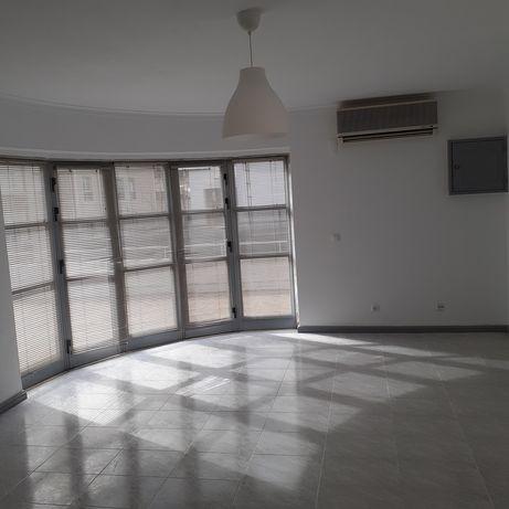 Espaco para alugar em Loures arrendamento comercial