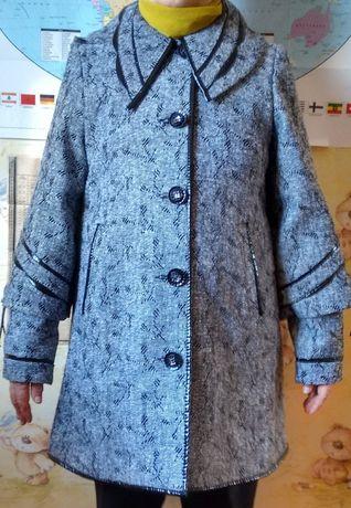 Продам пальто женское р.48