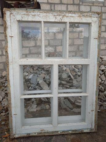 Окно и рама деревянное