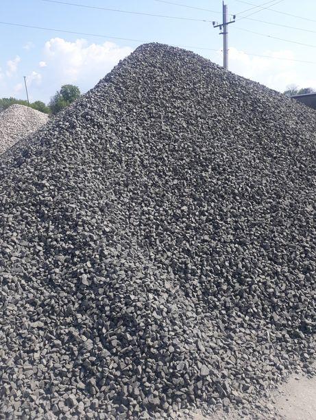Продам Щебінь, пісок, відсів, цеглу, цемент, торф, гній, чорнозем.