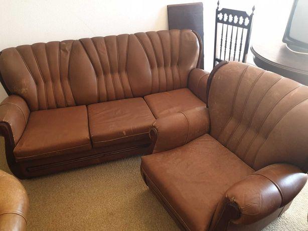 Conjunto de sofás de pele