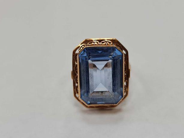 Wyjątkowy złoty pierścionek damski/ 585/ 9.97 gram/ R22