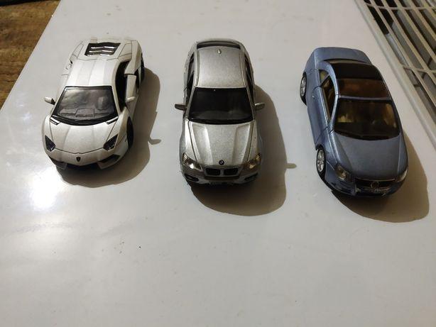 Коллекционные модели машин Kingsmart в идеальном состоянии