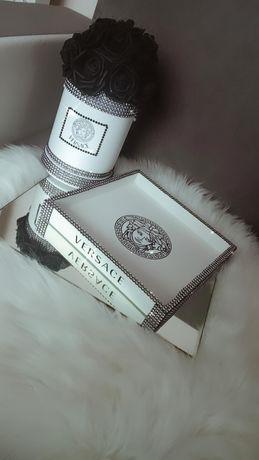 Taca versace Chanel cyrkonie drewniana biała Glamour