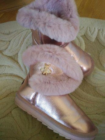 Красиві угги,чобітки,сапоги, стелька 19,5 см