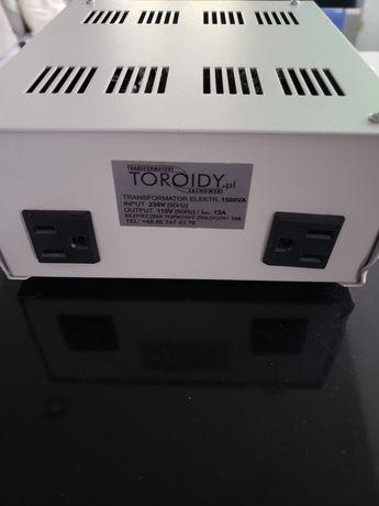 Transformator  1500VA 230V/110V ( wtyczka napięcie USA )
